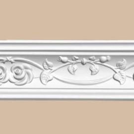 Плинтус потолочный с рисунком DECOMASTER DT9815 (70*67*2400мм)