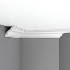 Плинтус потолочный гладкий DECOMASTER 96684 (78*74*2400мм)